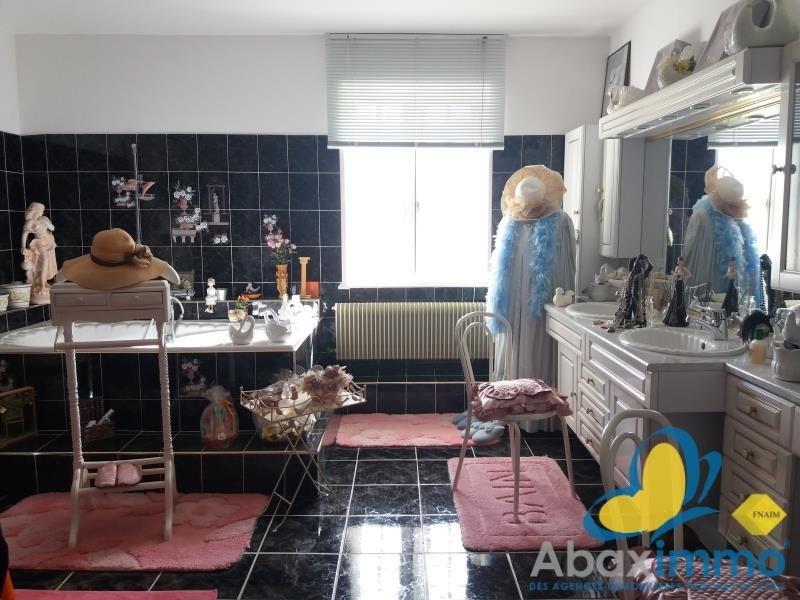 Sale house / villa Grainville langannerie 316500€ - Picture 5