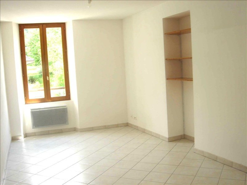 Location appartement 73110 500€ CC - Photo 1