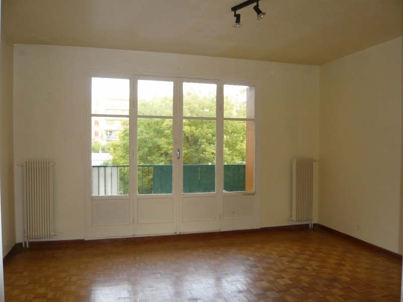 Rental apartment Aix en provence 805€ CC - Picture 1