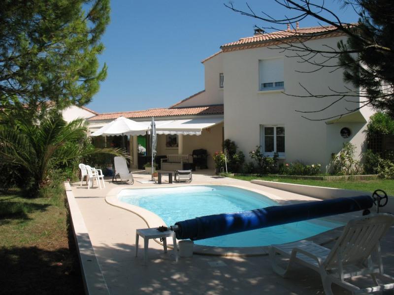 Sale house / villa Chaillevette 493500€ - Picture 1