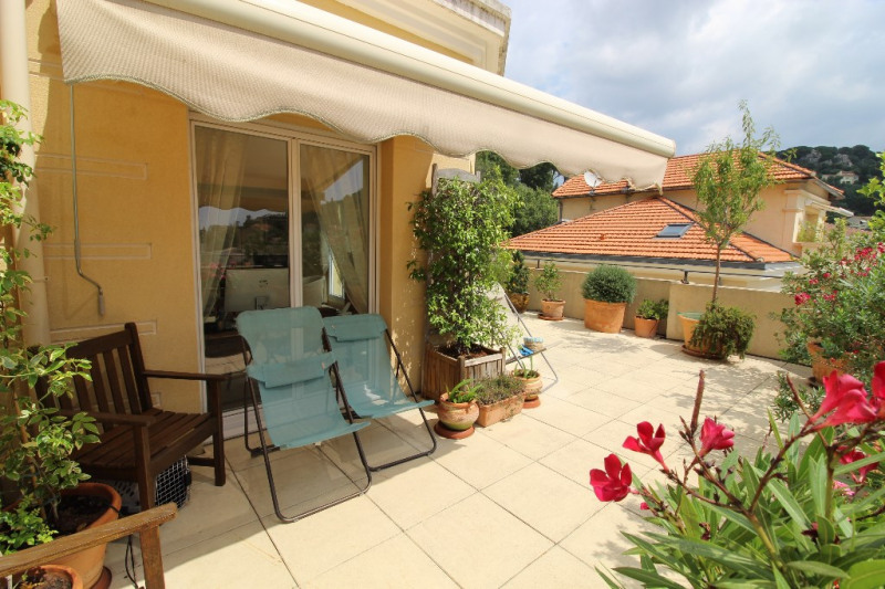 Vente de prestige appartement Hyeres 676000€ - Photo 11