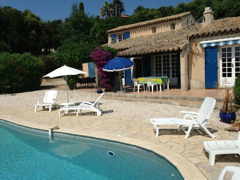 Short-term rental house / villa Les issambres 1627€ CC - Picture 4