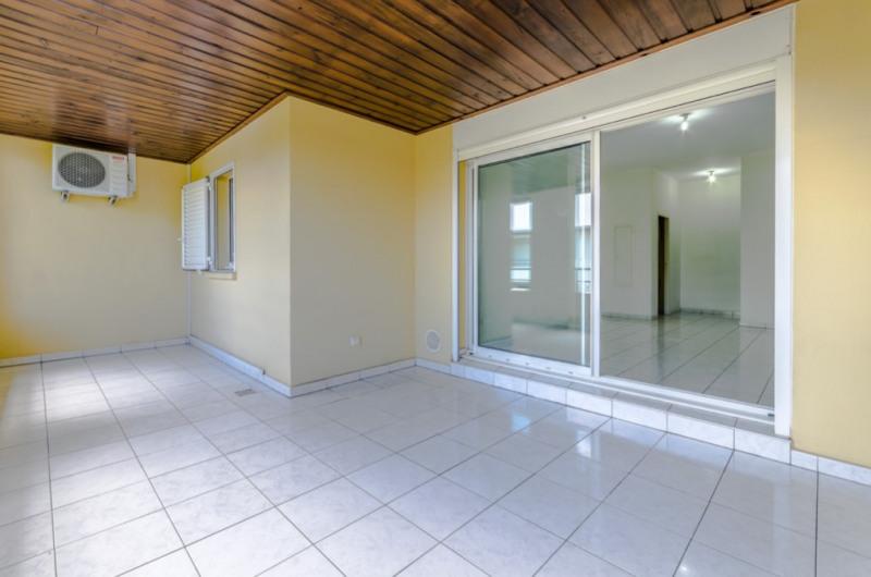 Location appartement Saint pierre 850€ CC - Photo 2