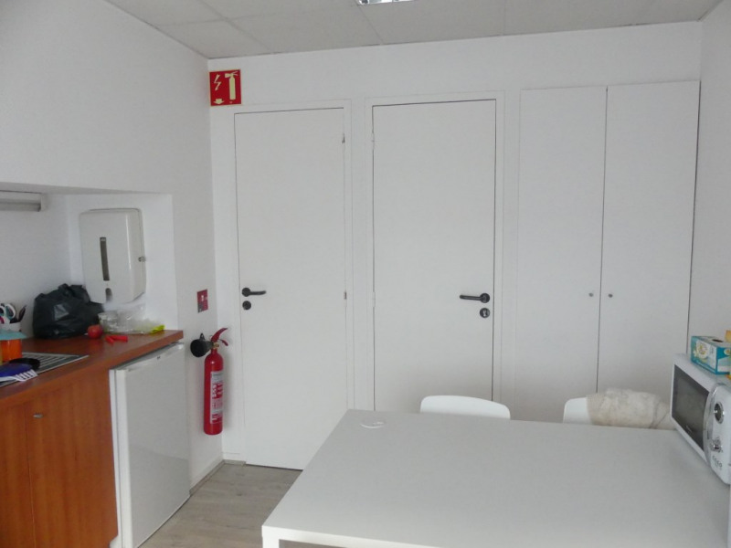 Location local commercial Pont l abbe 756€ HC - Photo 2