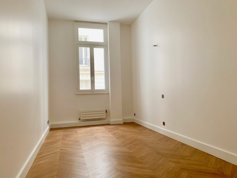 Rental apartment Paris 16ème 6 995€ CC - Picture 11