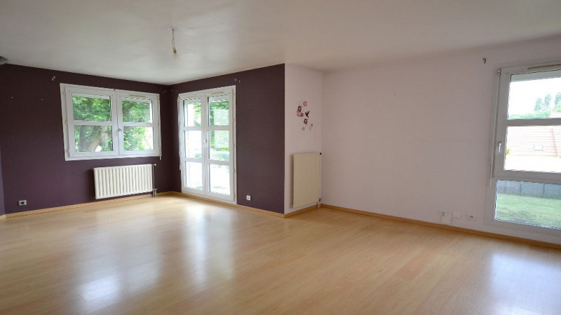 Rental apartment Plaisir 793€ CC - Picture 1