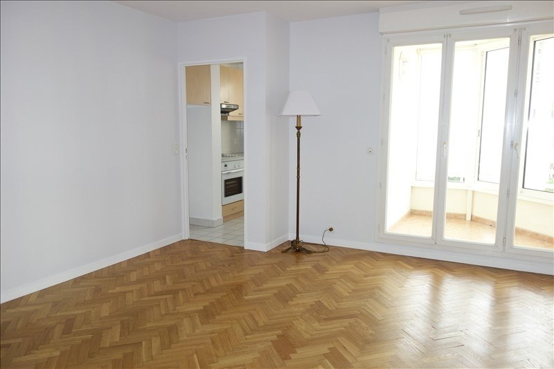 Rental apartment Le chesnay 970€ CC - Picture 1