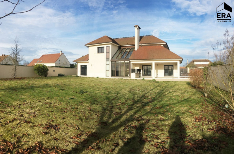 Deluxe sale house / villa Ferolles attilly 1 098 000€ - Picture 1