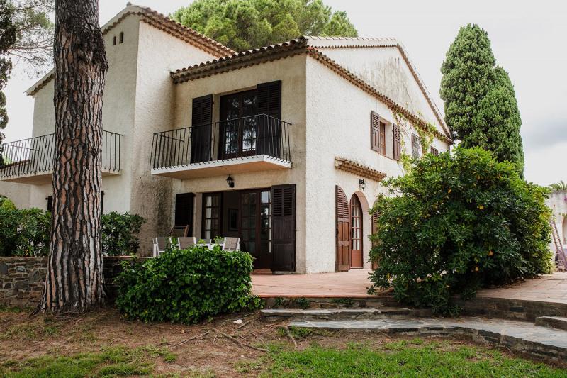 Vacation rental house / villa Cavalaire sur mer 2800€ - Picture 9
