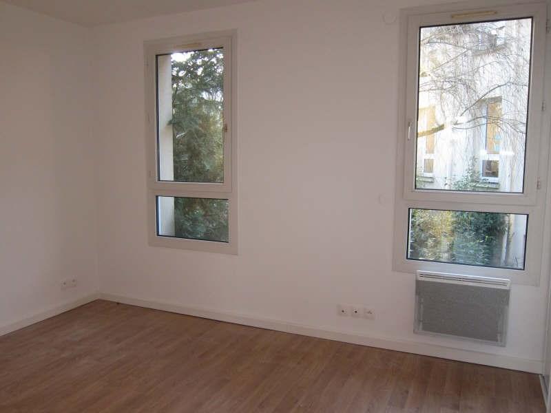 Rental apartment St germain en laye 939€ CC - Picture 4