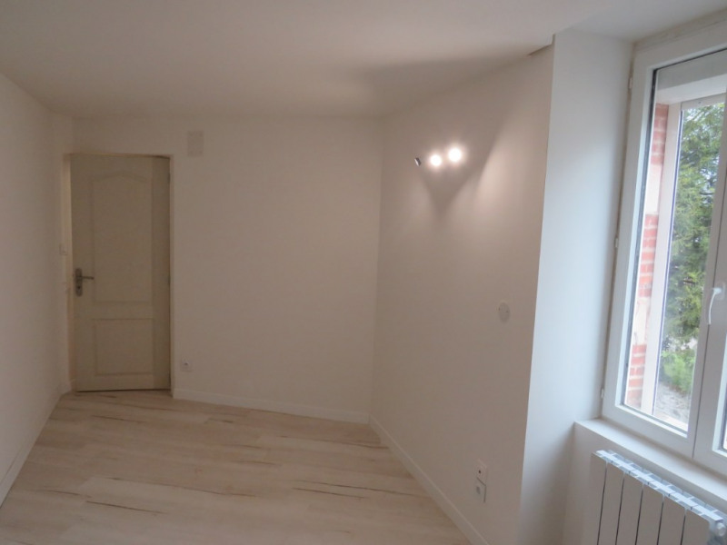 Location maison / villa Courbeveille 410€ CC - Photo 2