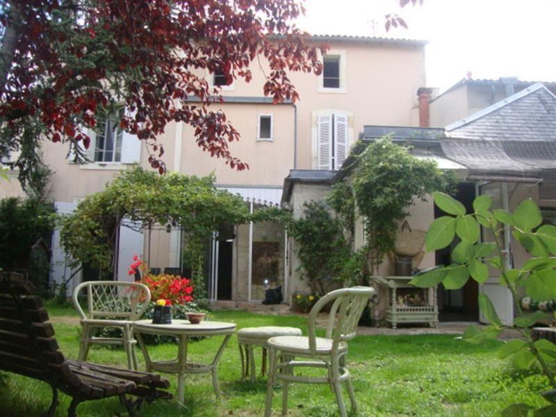 Vente maison / villa Saint-jean-d'angély 327050€ - Photo 1