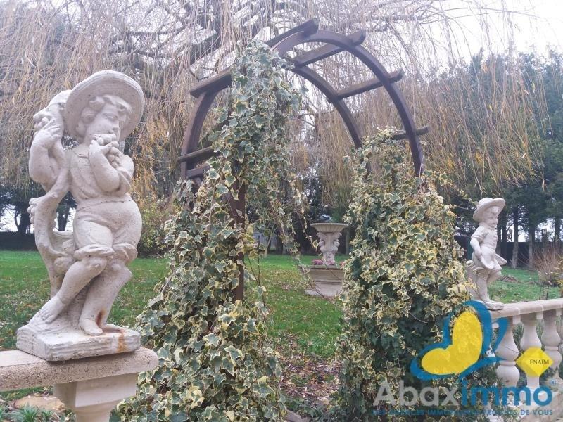 Sale house / villa Grainville langannerie 316500€ - Picture 9