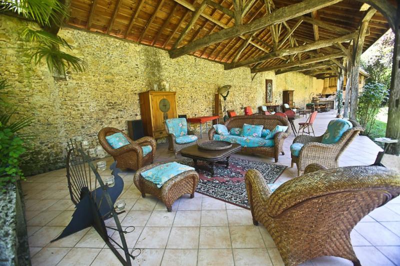 Sale house / villa Riscle 380000€ - Picture 2
