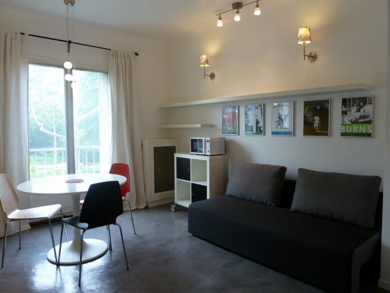Rental apartment Paris 16ème 980€ CC - Picture 2
