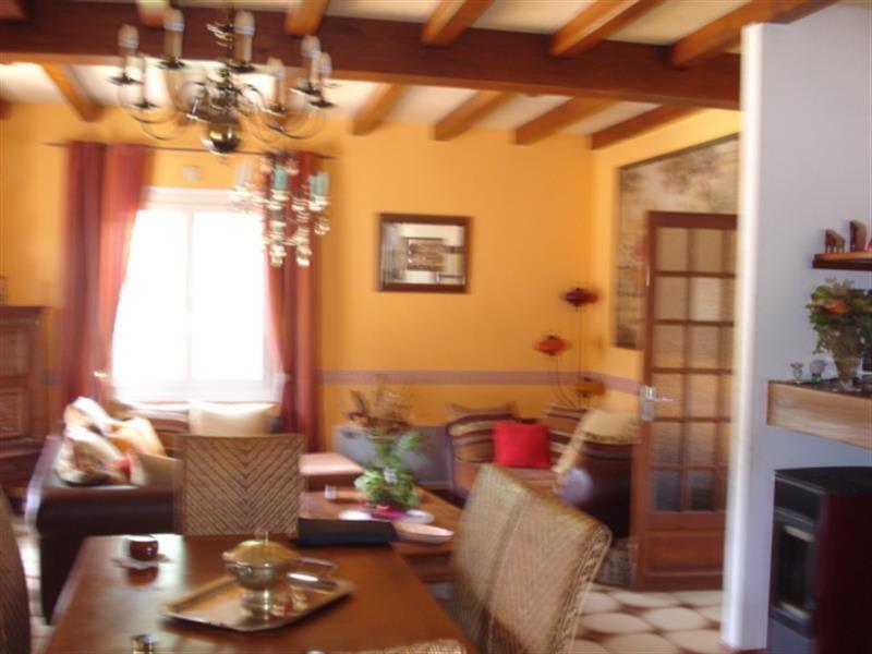 Sale house / villa Lussant 274300€ - Picture 5