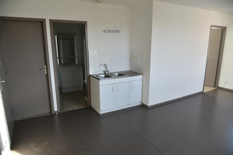 Location appartement Pont d'ain 337€ CC - Photo 4