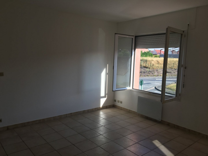 Rental apartment Limours 773€ CC - Picture 1