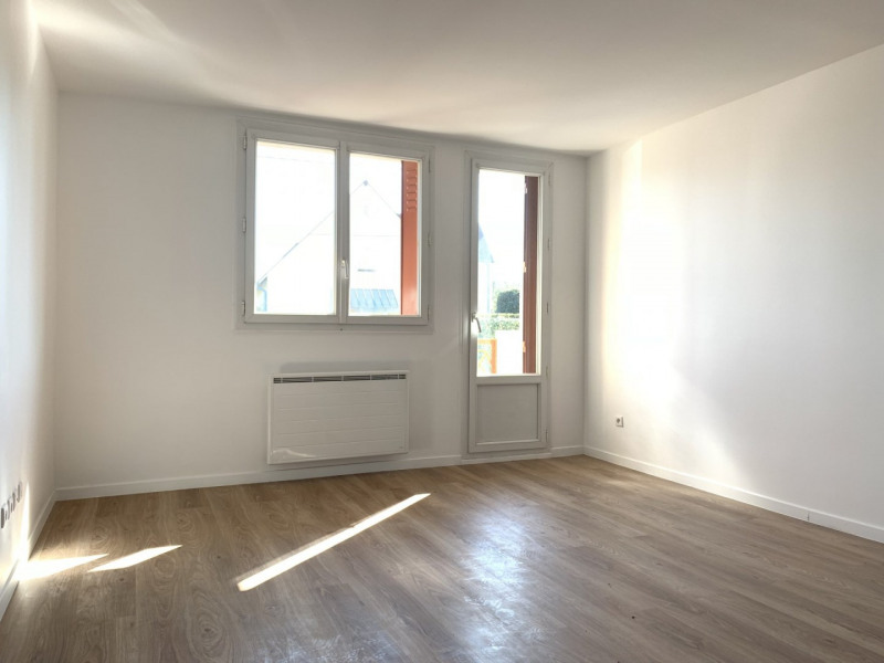 Location appartement Montlhéry 875€ CC - Photo 1