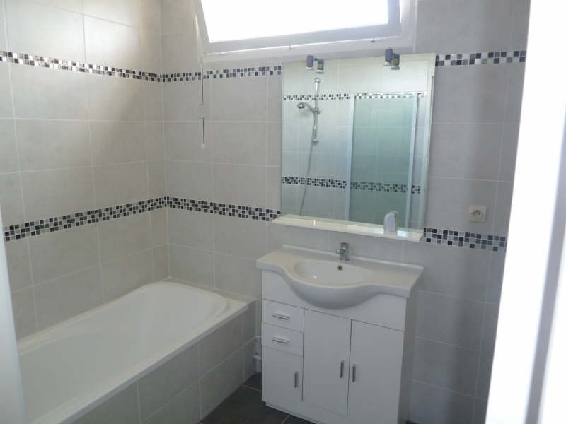 Rental apartment Andresy 870€ CC - Picture 6