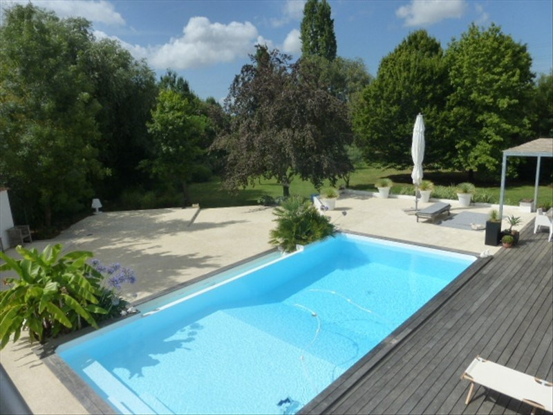 Deluxe sale house / villa Rochefort 780 000€ - Picture 1