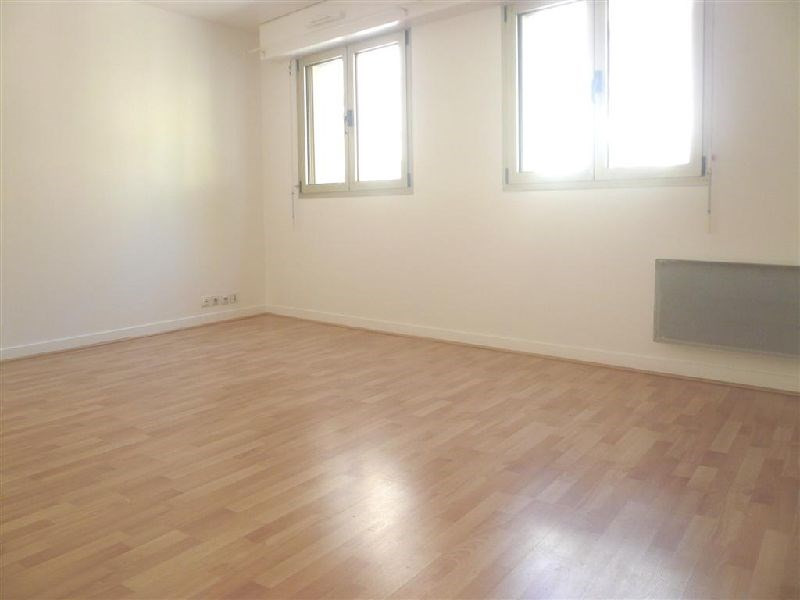 Rental apartment Vincennes 1 210€ CC - Picture 1