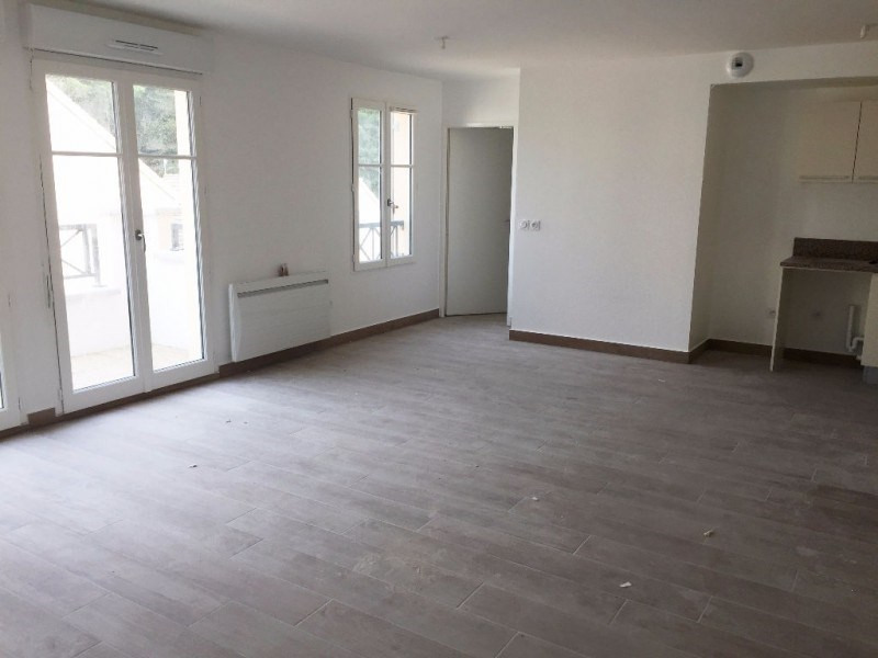 Rental apartment Buc 1100€ CC - Picture 2
