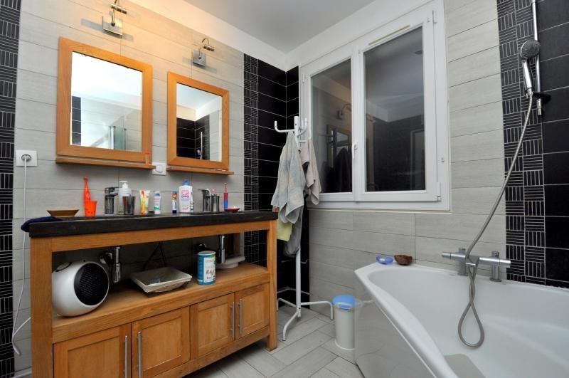 Sale house / villa Forges les bains 385000€ - Picture 9
