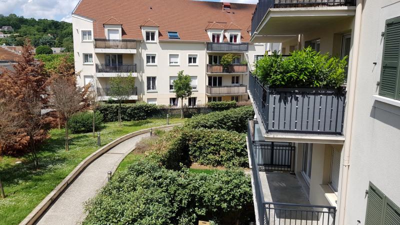 Sale apartment Montlhery 147000€ - Picture 1