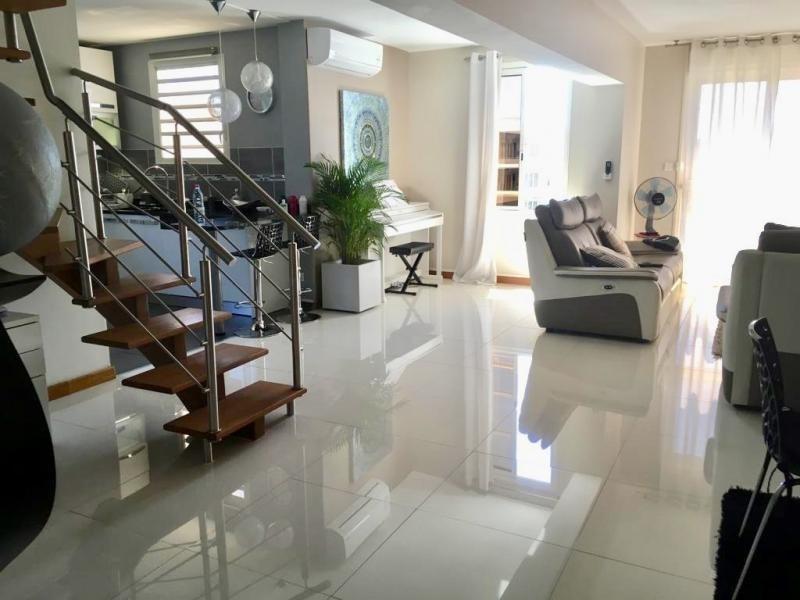 Sale apartment St denis 478400€ - Picture 1