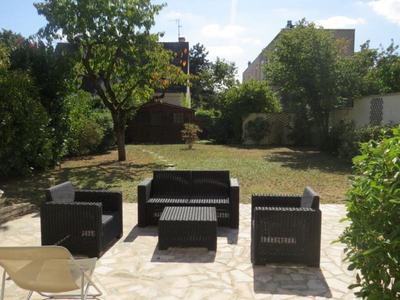 Sale house / villa Le mesnil le roi 920000€ - Picture 2