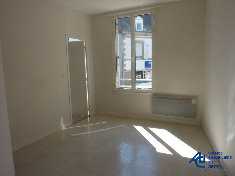 Location appartement Pontivy 351€ CC - Photo 1