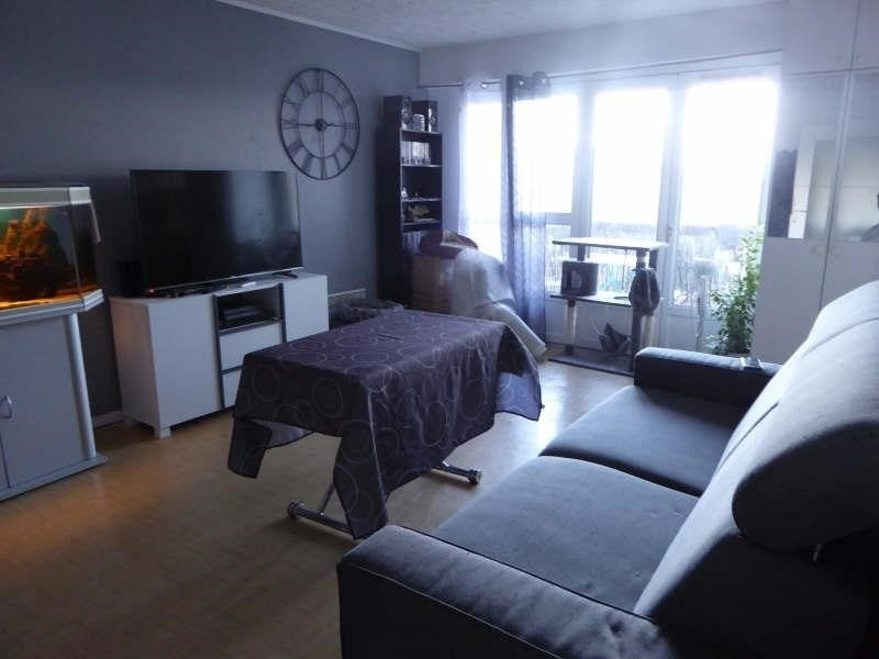 Location appartement Maurepas 667€ CC - Photo 1
