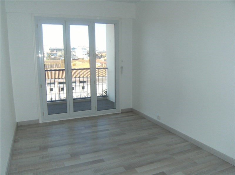 Sale apartment Les sables d'olonne 203 000€ - Picture 1