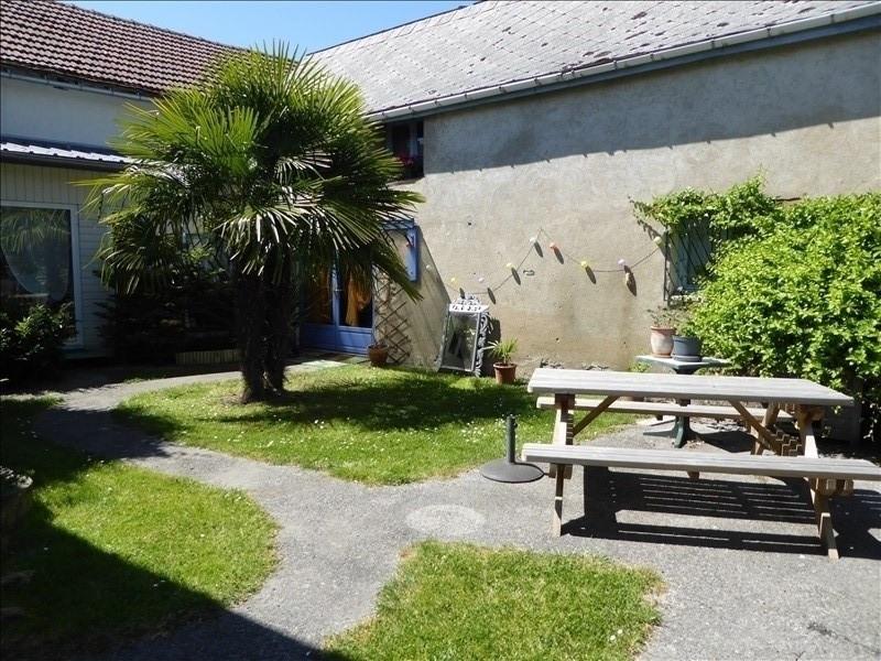 Sale house / villa Monein 208000€ - Picture 1