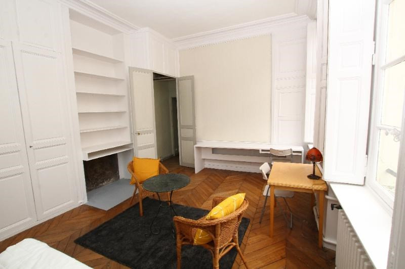 Location appartement Paris 6ème 2 090€ CC - Photo 9