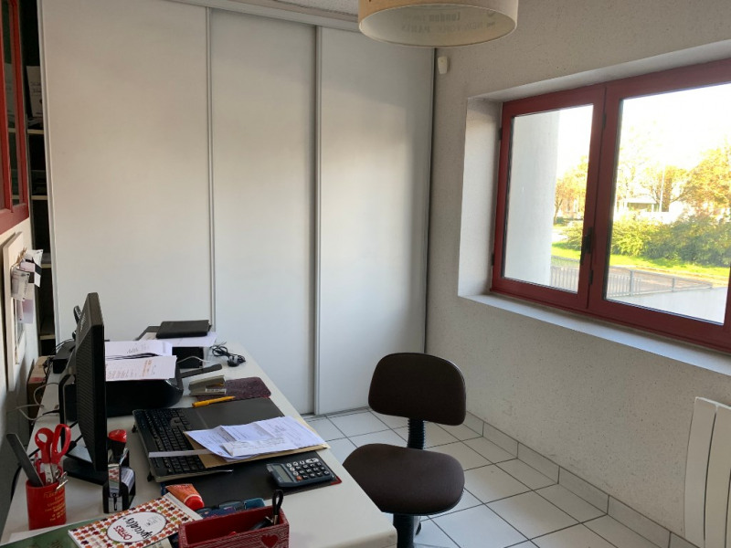 Sale office Vannes 126 000€ - Picture 2