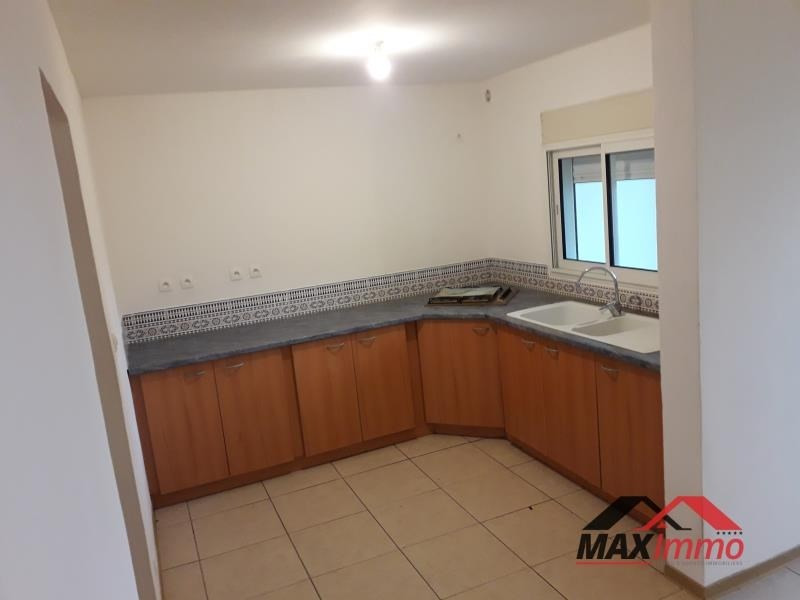 Location maison / villa St joseph 850€ CC - Photo 4