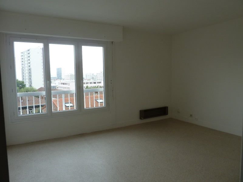 Rental apartment Vanves 875€ CC - Picture 1