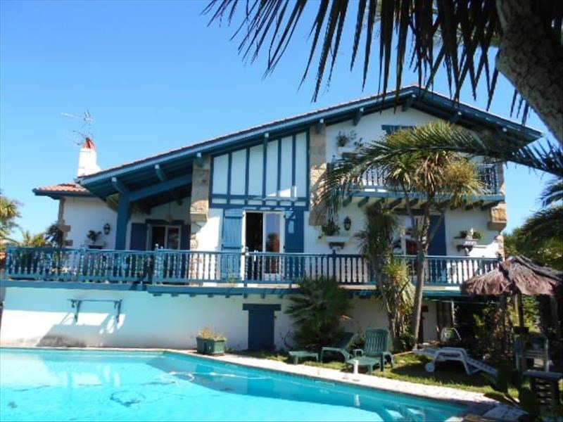Deluxe sale house / villa Bidart 998000€ - Picture 1