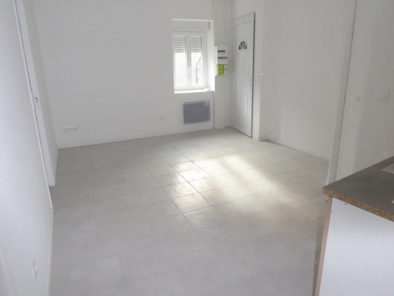 Location appartement Saint-étienne-de-fontbellon 490€ CC - Photo 12