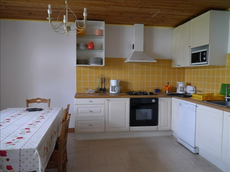 Sale house / villa Gemozac 398 475€ - Picture 3