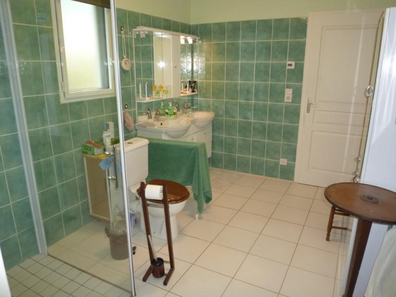 Sale house / villa Cherves richemont 325500€ - Picture 6