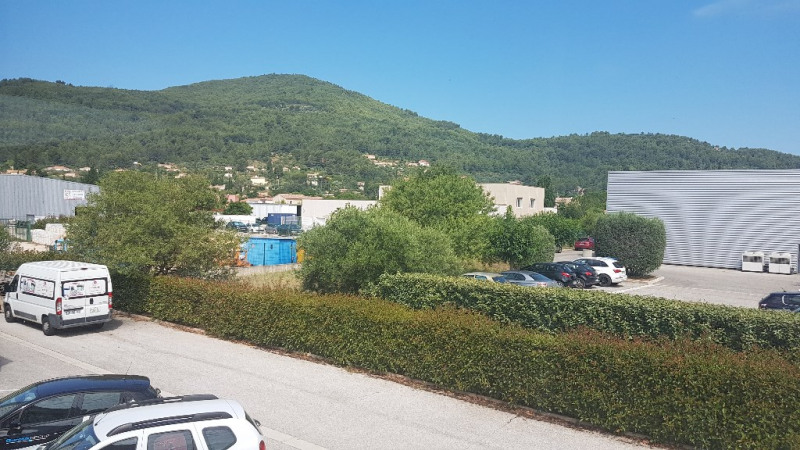 Vente local commercial Cuers 1699000€ - Photo 4