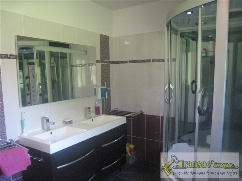 Sale house / villa Puy guillaume 221540€ - Picture 4