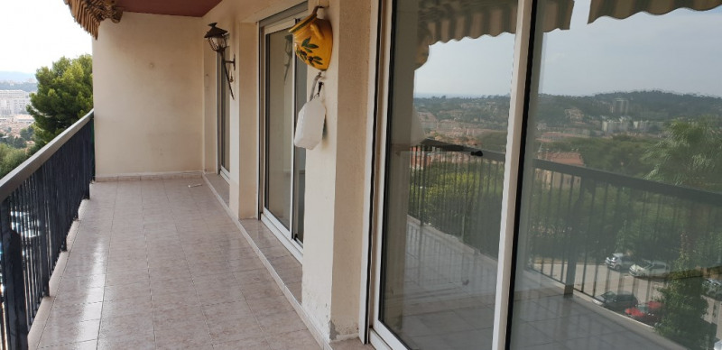 Sale apartment Toulon 259000€ - Picture 1
