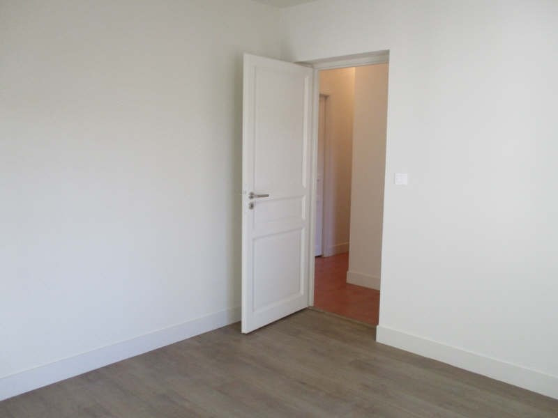 Rental apartment Nimes 752€ CC - Picture 8