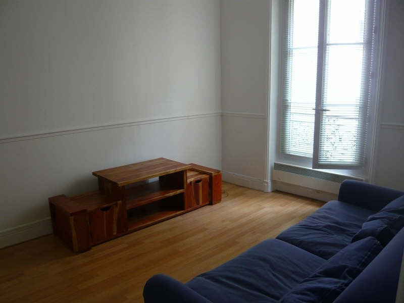 Location appartement Paris 14ème 1145€ CC - Photo 2