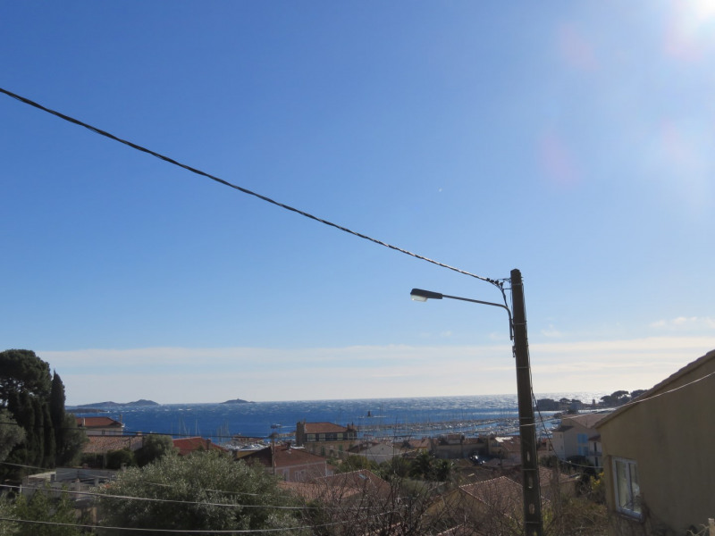 Vacation rental apartment Bandol 640€ - Picture 1