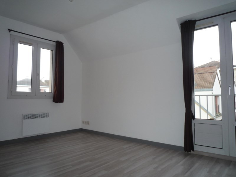 Location appartement Bailly 681€ CC - Photo 2